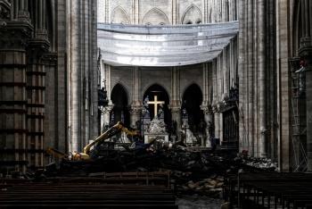 Incendio en Notre Dame causa envenenamiento por plomo