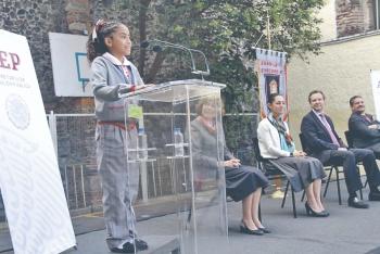 Niños deciden si usan falda o pantalón como uniforme