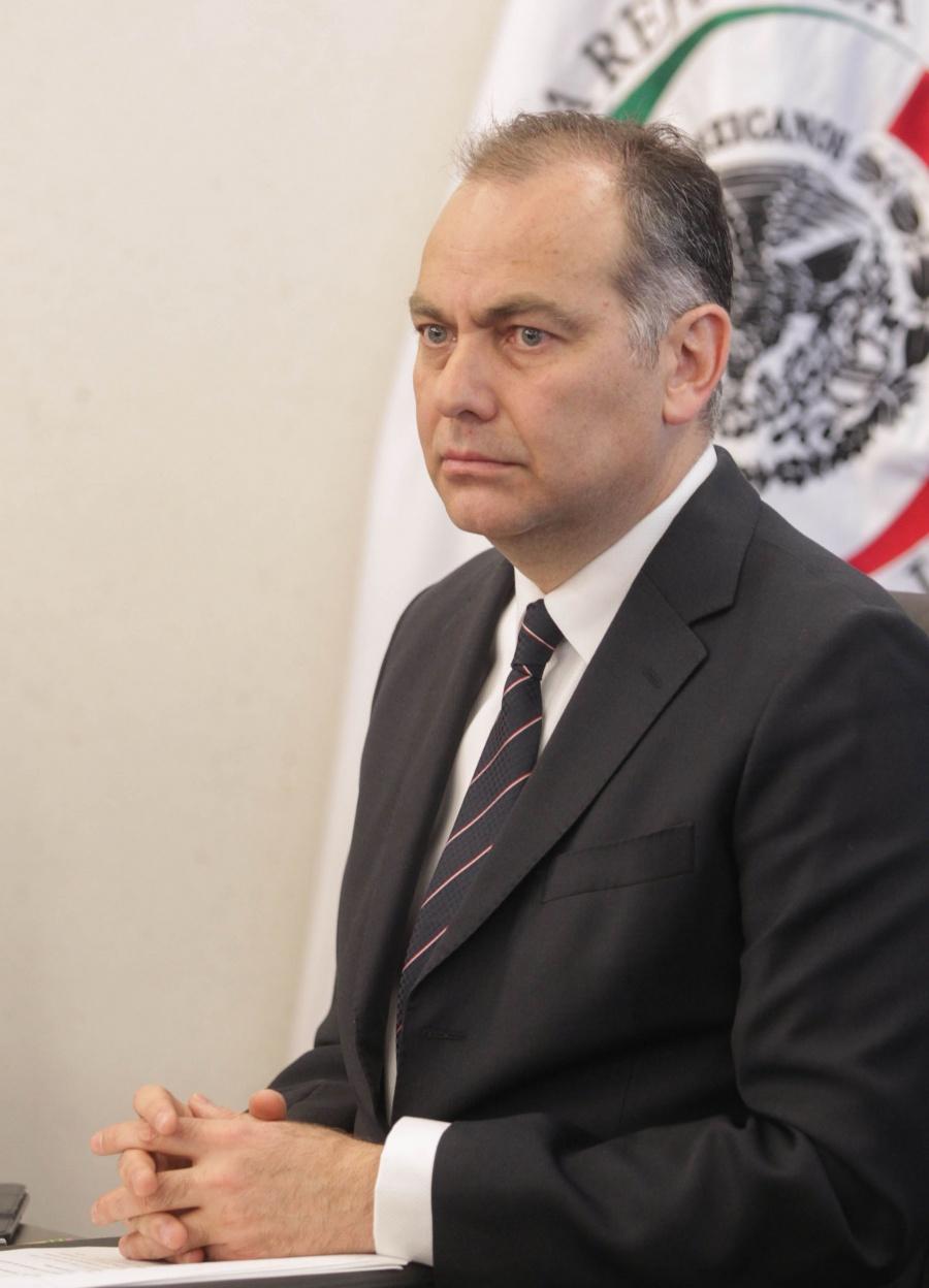 Jaime Rochín del Rincón, presenta su renuncia al CEAV