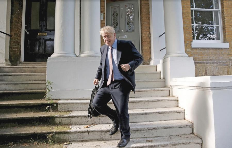 Boris Johnson retoma el Brexit por las malas