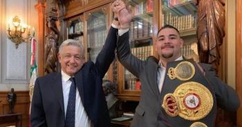 AMLO recibe a Andy Ruiz en Palacio Nacional