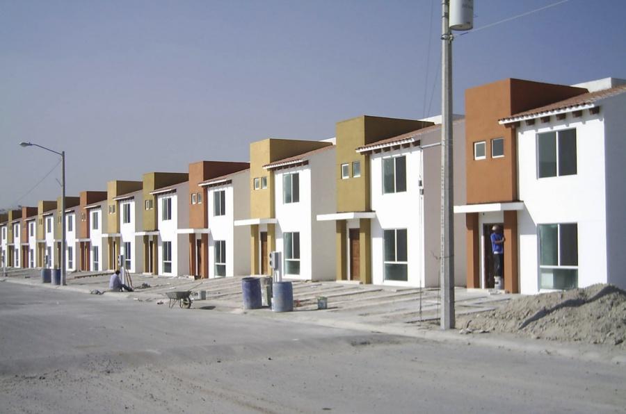 Urgen impulsar casas de interés social