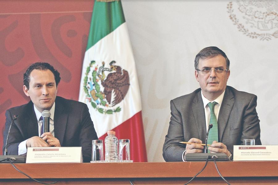 Trump muestra el acuerdo migratorio, pero México lo niega
