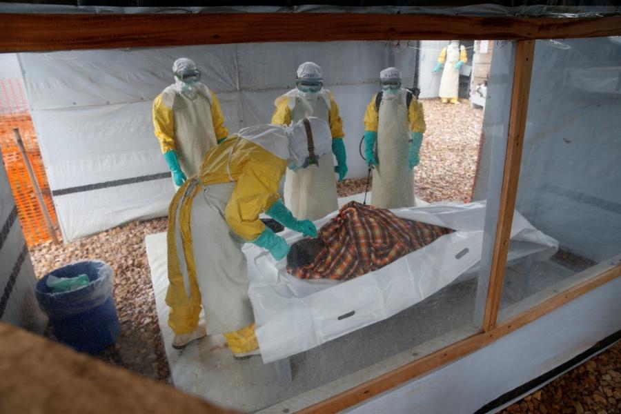 Muere niño con ébola en Uganda; confirman dos nuevos casos