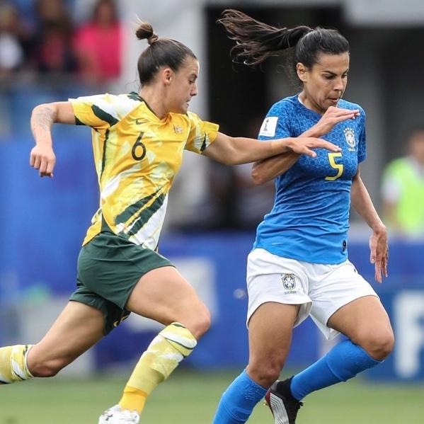 Australia remonta a Brasil y se acerca a la clasificación en Mundial Femenil