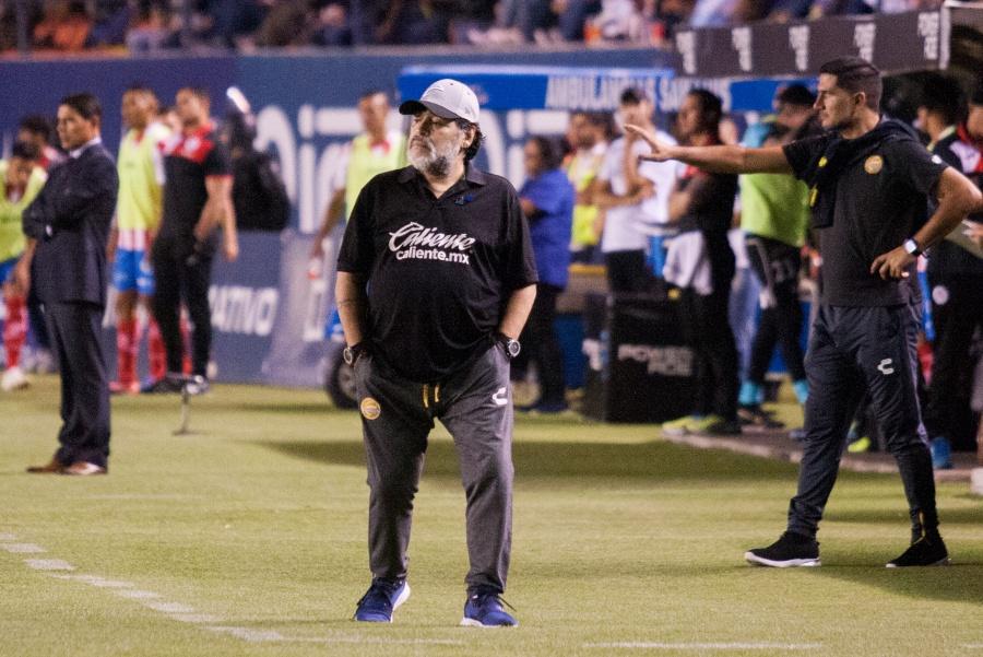 Dorados anuncia la salida de Maradona