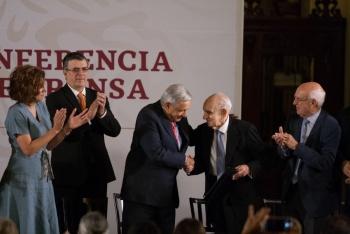 Recuerda AMLO los 80 años del exilio español