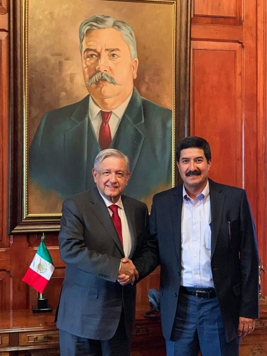 Se reúne AMLO con Corral en Chihuahua
