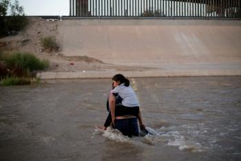 EU implementa cuarentena a migrantes por paperas