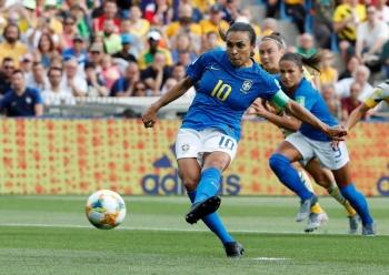 Marta se convierte en la máxima anotadora en mundiales femeniles