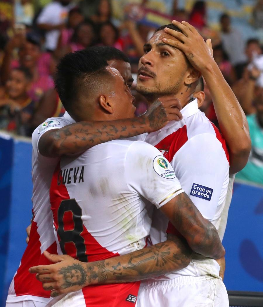 Perú doblega a Bolivia y se acerca a cuartos de final en la Copa América