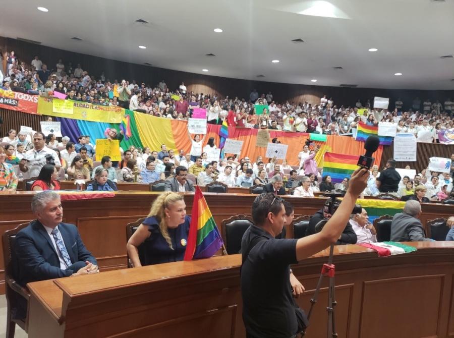Sinaloa rechaza matrimonio igualitario
