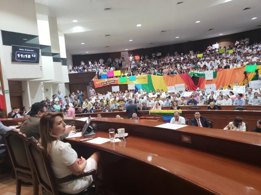 Aprueban dictamen de matrimonio igualitario en Sinaloa