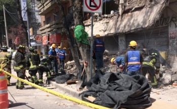 Colapsa parte de edifico en demolición en la colonia Portales