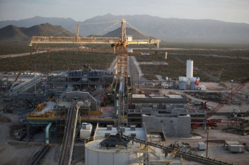 Reanudan operaciones en mina de oro Peñasquito