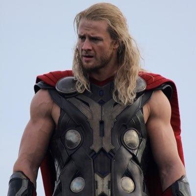 Thor Fat en acción detrás de cámaras