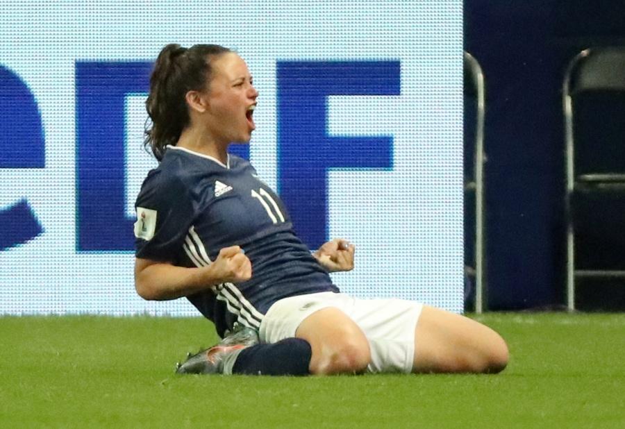 Argentina remonta a Escocia y sueña con los octavos de Francia 2019