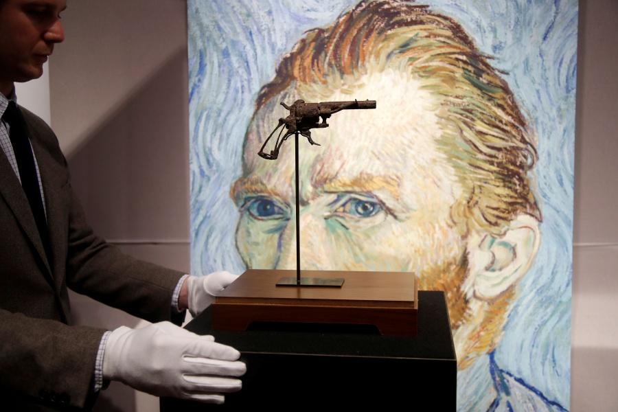 """Subastan el """"arma más famosa de la historia del arte"""""""