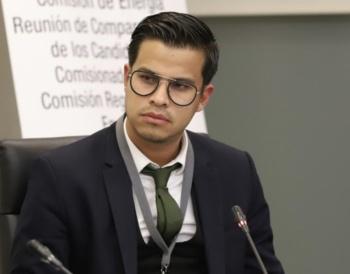 Otra vez, propone AMLO como Consejero en Pemex a ayudante