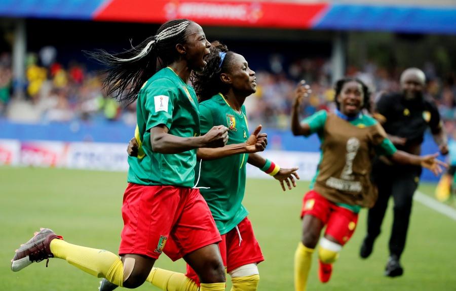 De último minuto, Camerún clasifica a octavos de final en Mundial Femenil