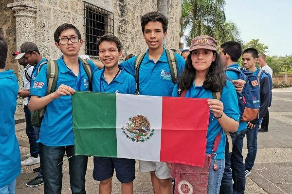México es campeón de la XXI Olimpiada Matemática