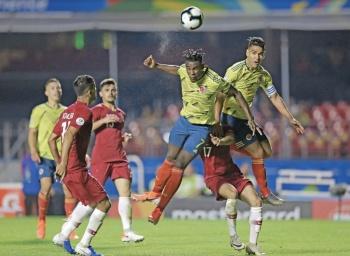 Colombia entra a cuartos con cabezazo letal frente a Qatar