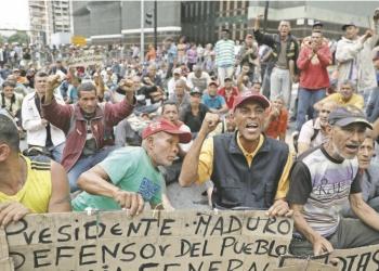 Entre protestas reciben a Bachelet en Venezuela