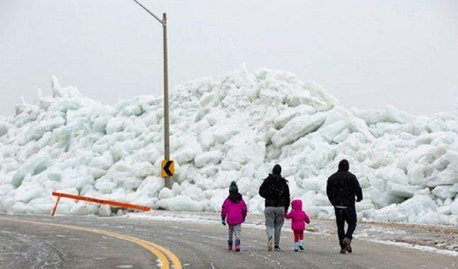Tsunami de hielo azota a Rusia