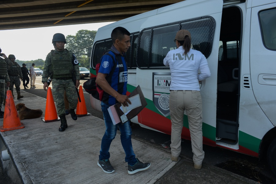 La migración no es delito, sino falta administrativa: Sedena