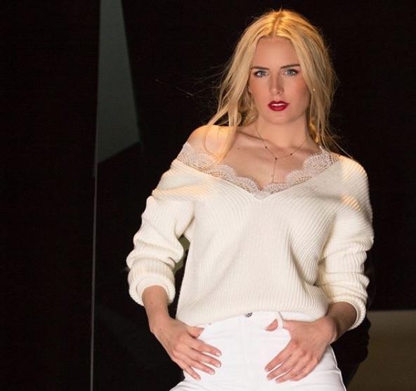 Tania Ruiz defiende baile de Peña Nieto