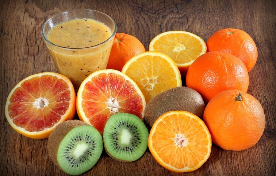"""Descubren que vitamina C haría """"inmortales"""" a las células cancerígenas"""