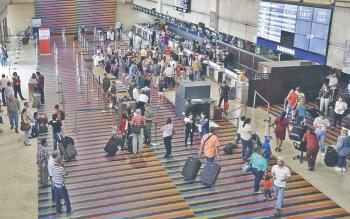 Actividad en Aeropuertos cae a 75% en Venezuela