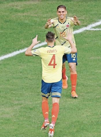 En tres juegos, Colombia sigue imbatible