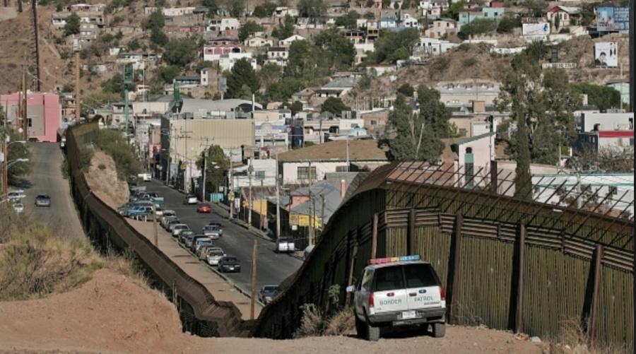 ...Y en la frontera murieron tres niños y una mujer
