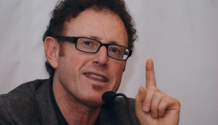 Expulsar empresas productoras de Trolls y Bots, propone especialista de la UNAM