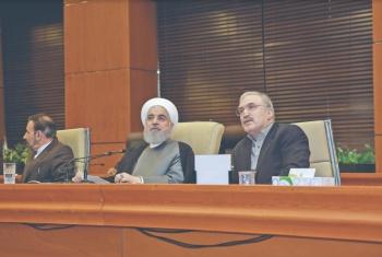 Irán promete renovar su reactor nuclear y producir más uranio