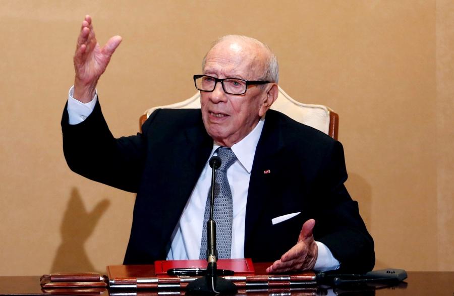 Presidente de Túnez, hospitalizado de emergencia