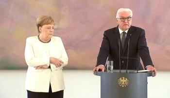 Angela Merkel vuelve a sufrir temblores en un acto oficial; crece alerta por su salud