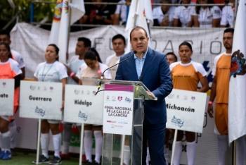 No bajen los brazos, los sueños se pueden hacer realidad: Cuauhtémoc Blanco