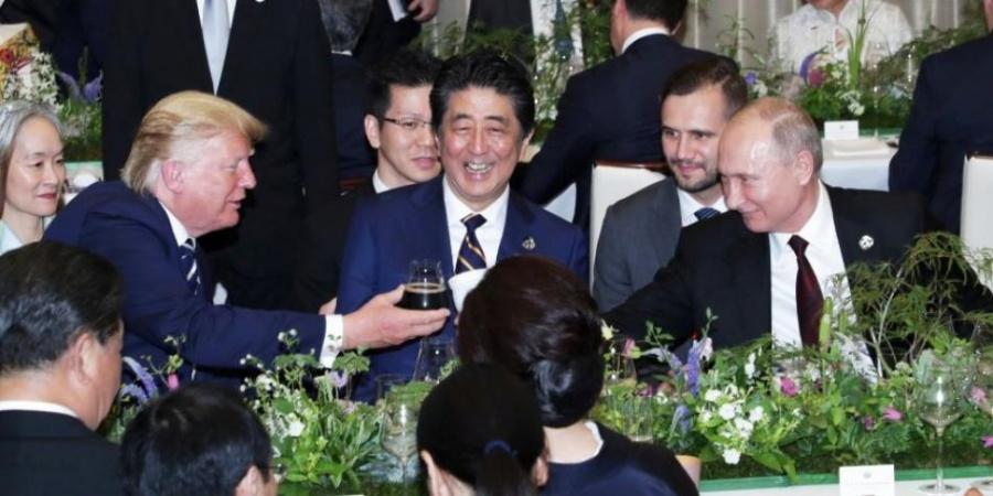 Vladimir Putin lleva su propio termo a cena del G-20