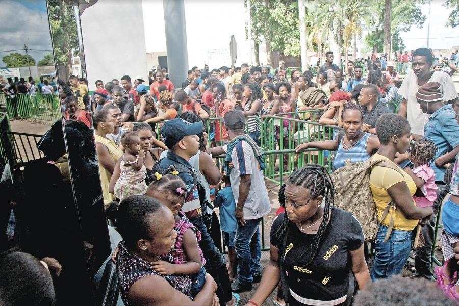 México rompe récord de migrantes detenidos