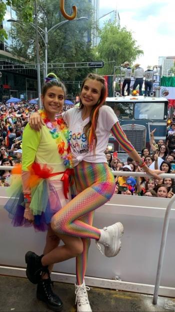 Juliantina presente en la Marcha de Orgullo LGBTTTI