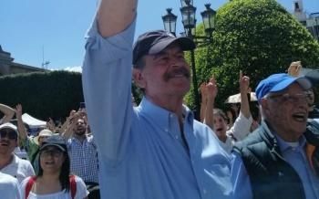 Corren a Vicente Fox de la marcha que convocó contra el gobierno de AMLO