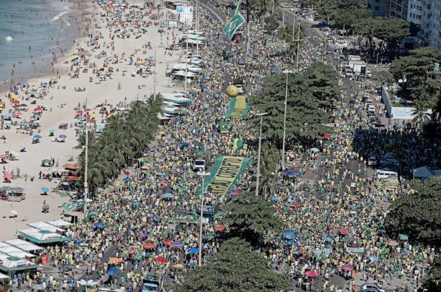 Con mega marcha Brasil rechaza al populismo