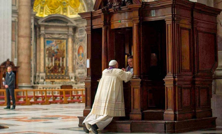 Leyes no pueden obligar a sacerdotes a romper secreto de confesión: Vaticano