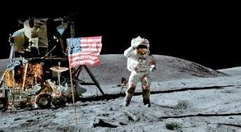 Hasta en 2 mdd ponen en subasta cintas de los Primeros Pasos en la Luna
