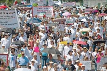 Marchan contra López Obrador en 43 ciudades