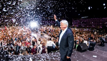 Alistan Zócalo para evento del Presidente