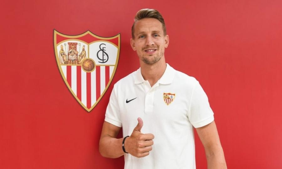 Luuk de Jong deja el PSV y firma con Sevilla