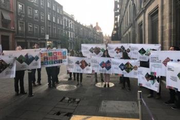 Investigadores protestan en Palacio Nacional por recorte a ciencia y tecnología